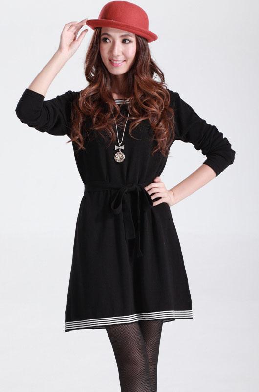 a12cbcde62e70c7 Черное платье с поясом и белой полосатой отделкой - купить ...