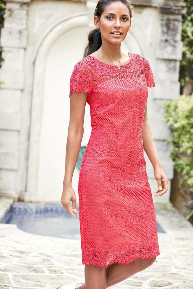 df529a85de5 Розовое прямое платье из кружева с коротким рукавом - купить ...