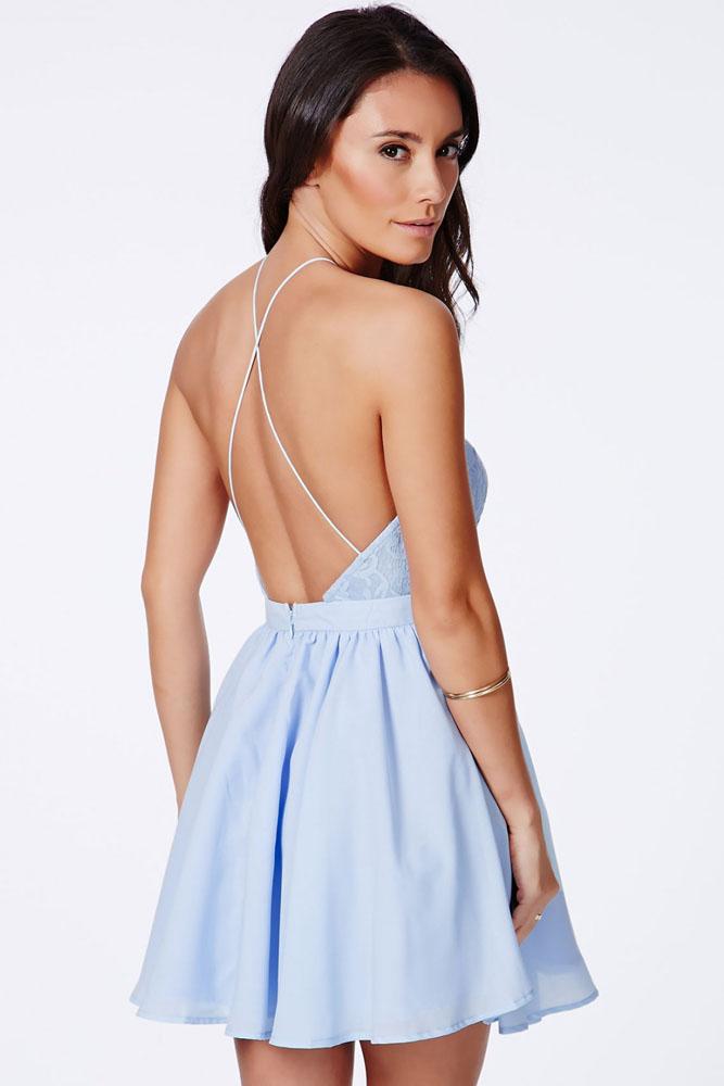 Платья с кружевом на спине