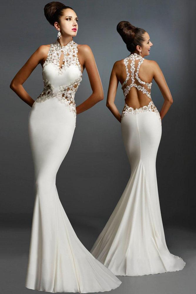 Белое обтягивающее платье-русалка со шлейфом и с открытой спиной ... c0ece0e2eb9