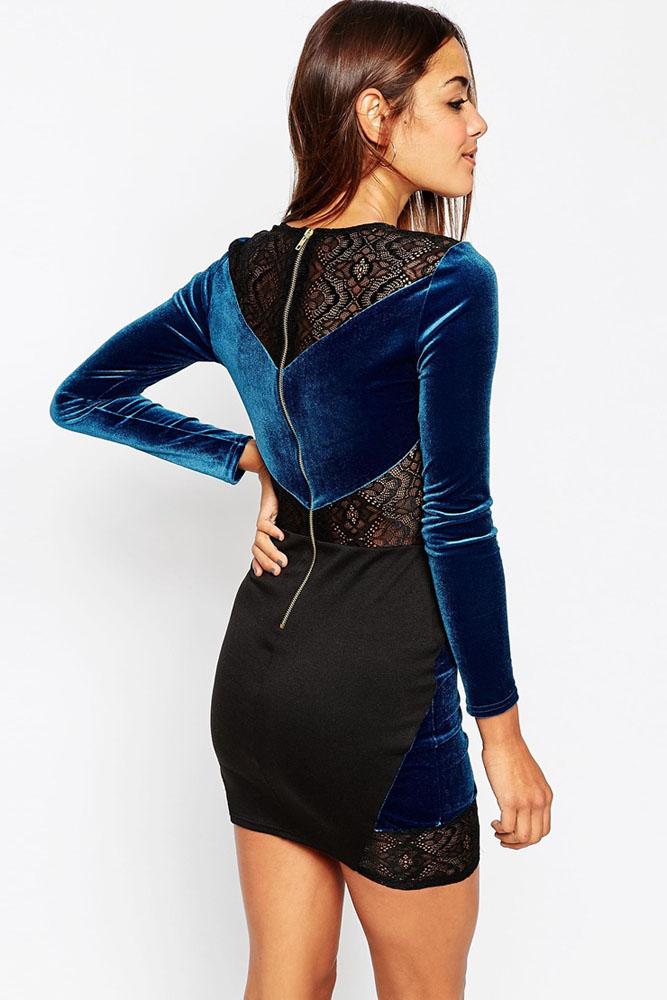 Бархатное платье с кружевными вставками