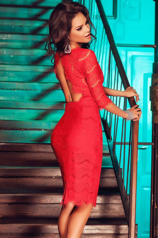 608d3e69fa7 Красное гипюровое платье с открытой спиной - купить наложенным платежом