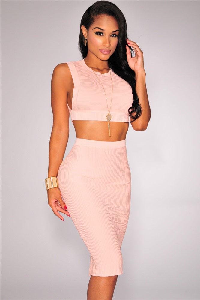 4d8657dce5ad Розовый обтягивающий комплект: асимметричная юбка-карандаш + кроп-топ