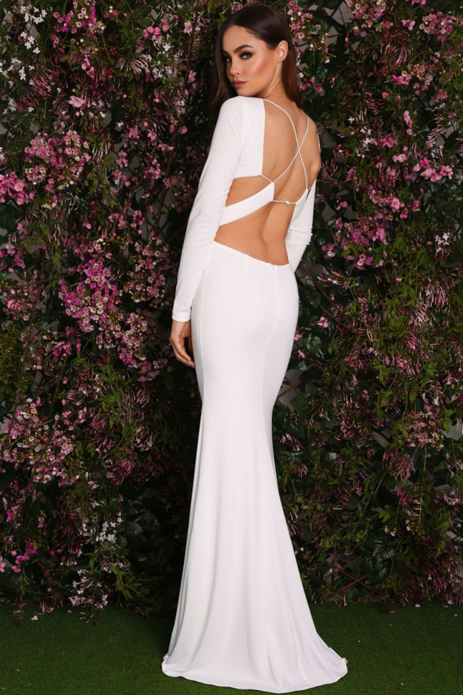 Белое вечернее платье в пол с открытой спиной - купить наложенным ... 1aadac091f0
