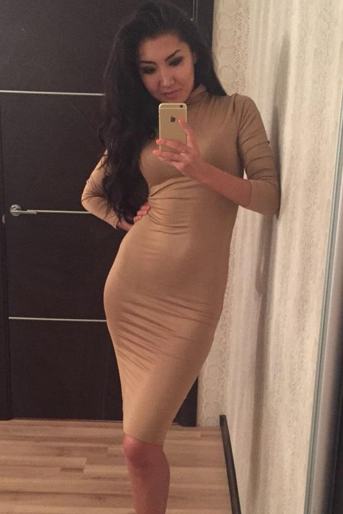 661c21da00f Бежевое платье-водолазка миди - купить наложенным платежом