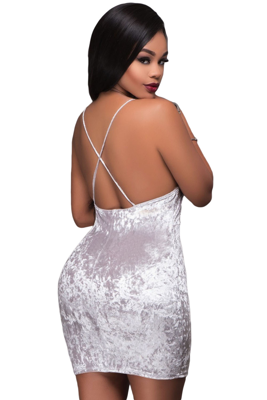 125b4d82806 Белое бархатное мини платье с открытой спиной и глубоким декольте с запахом