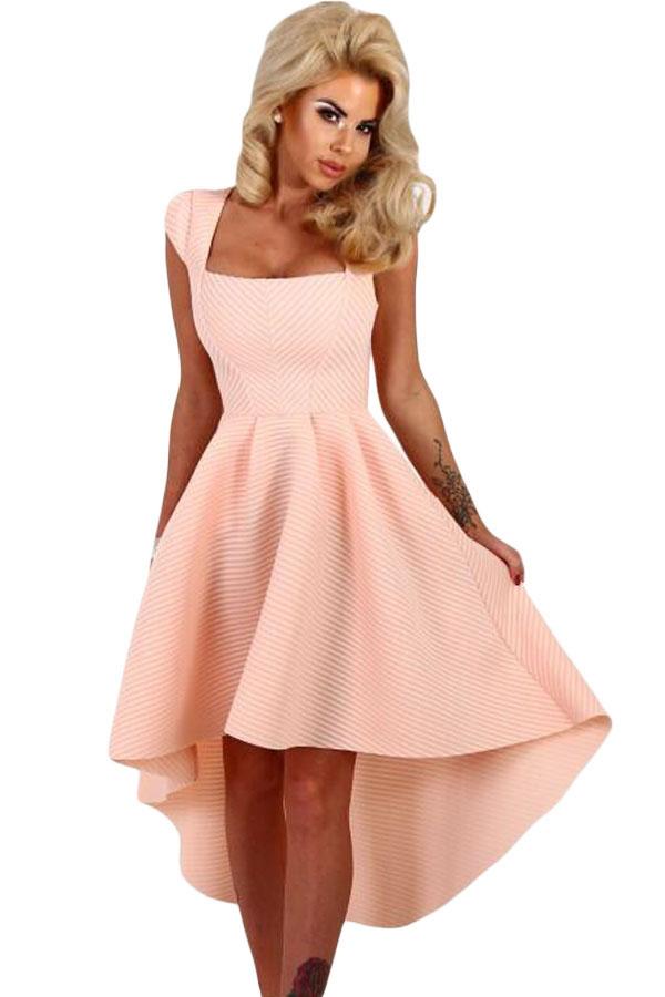 4d76ac75d34 Нежно-розовое платье с вырезом каре и удлиненной сзади пышной юбкой ...