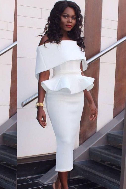 52bdfe1b289 Белое платье миди с баской и широким отворотом на плечах - купить ...