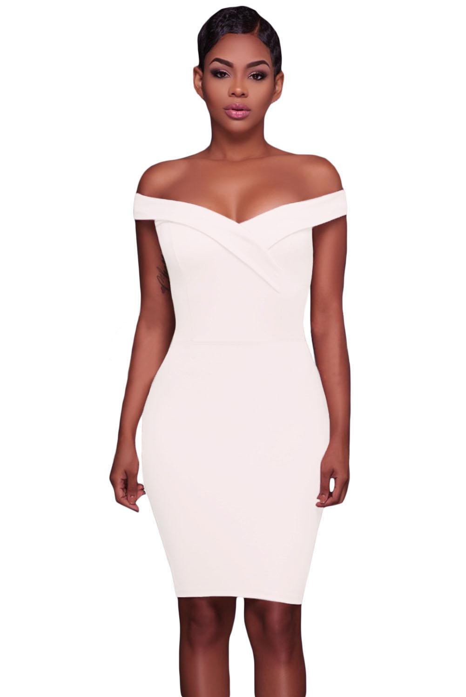 86ec83a261a5 Белое облегающее платье со спущенными рукавами-отворотом - купить ...