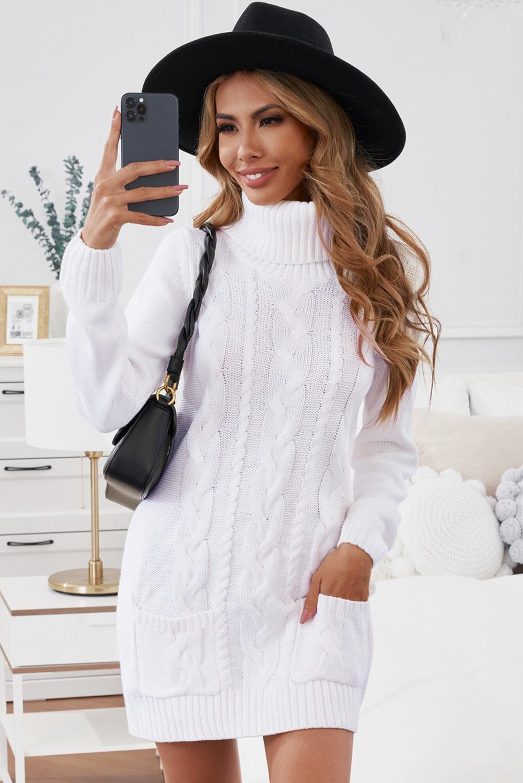 37f70849584 Белое вязаное платье-свитер с карманами и высоким воротом - купить ...
