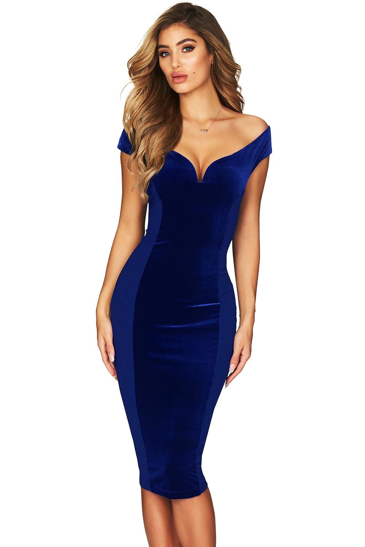 39d001fcb436266 Синее платье-футляр с темной вставкой и глубоким фигурным вырезом ...