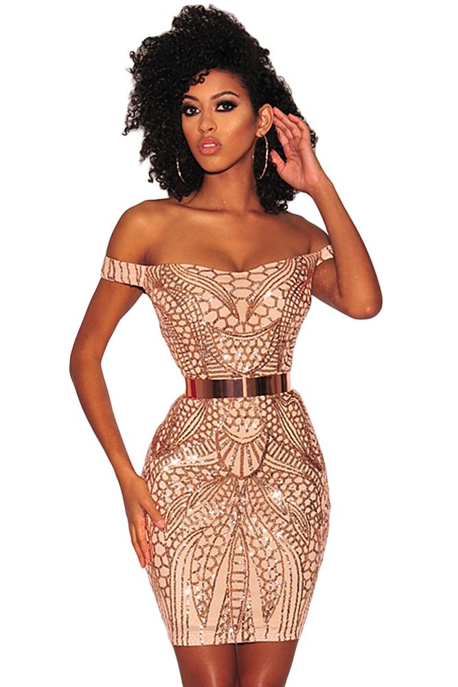 c5ef5938bfec8 Бежевое бандажное платье с золотистым поясом и узором из пайеток ...