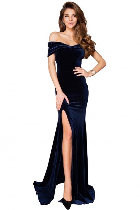 43798d7d3b8 Синее бархатное платье с открытыми плечами и высоким разрезом сбоку ...