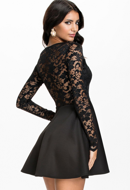 Платье с кружевным верхом черное