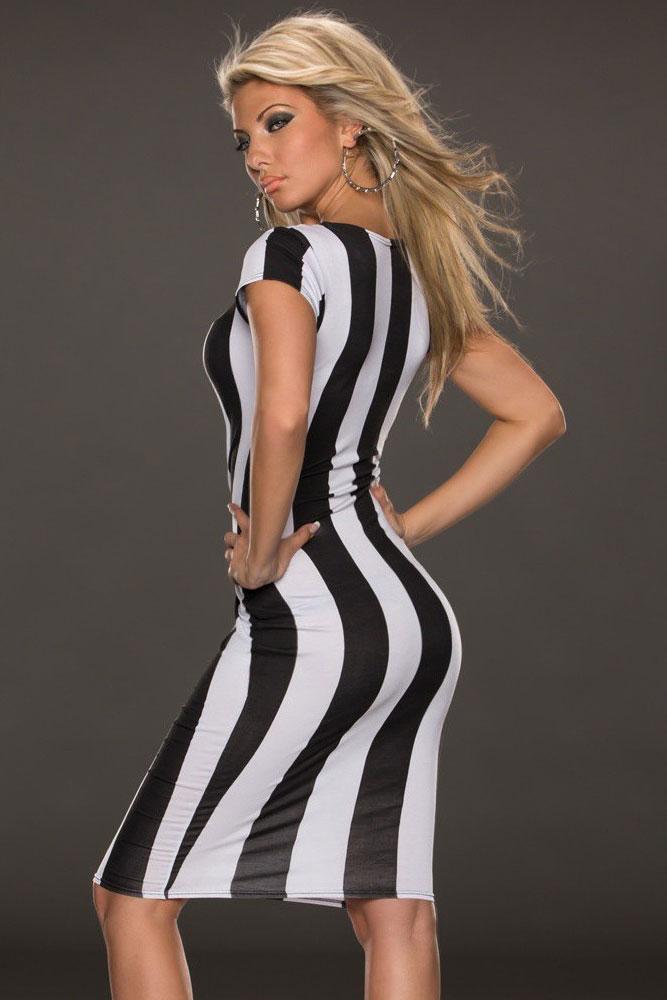 Облегающие черно-белые платья