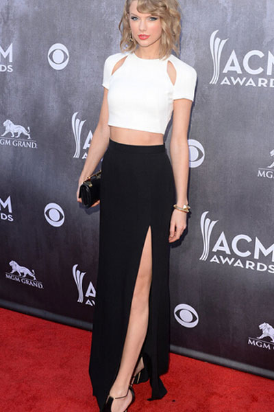 Фото белая блузка черная юбка с доставкой