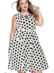 Платье в горошек большого размера