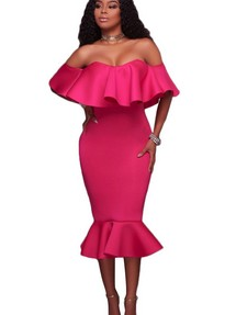 006725fe726 Ярко-розовое бандажное платье с открывающей плечи баской и воланом внизу