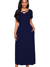 1c588b43d84 Быстрый просмотр · Темно-синее приталенное макси платье со скрещенными  полосками в вырезе
