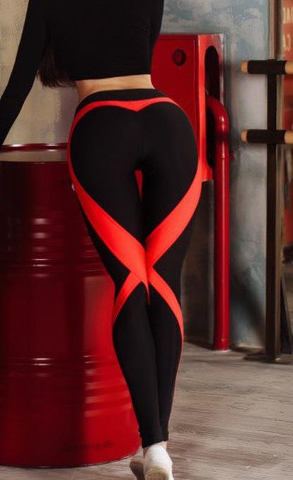 Легинсы с фигурными красными полосами